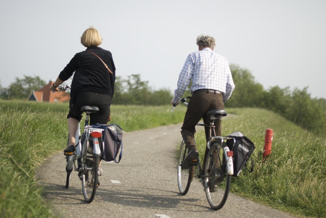 vrouwen fietsen 123 viedeo