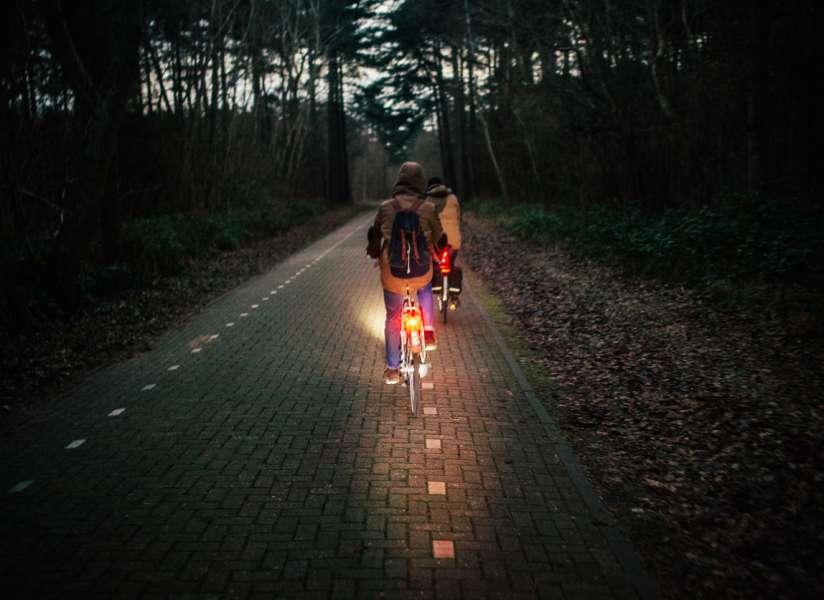 Fietsen zonder licht wordt meer beboet | Fietsen123